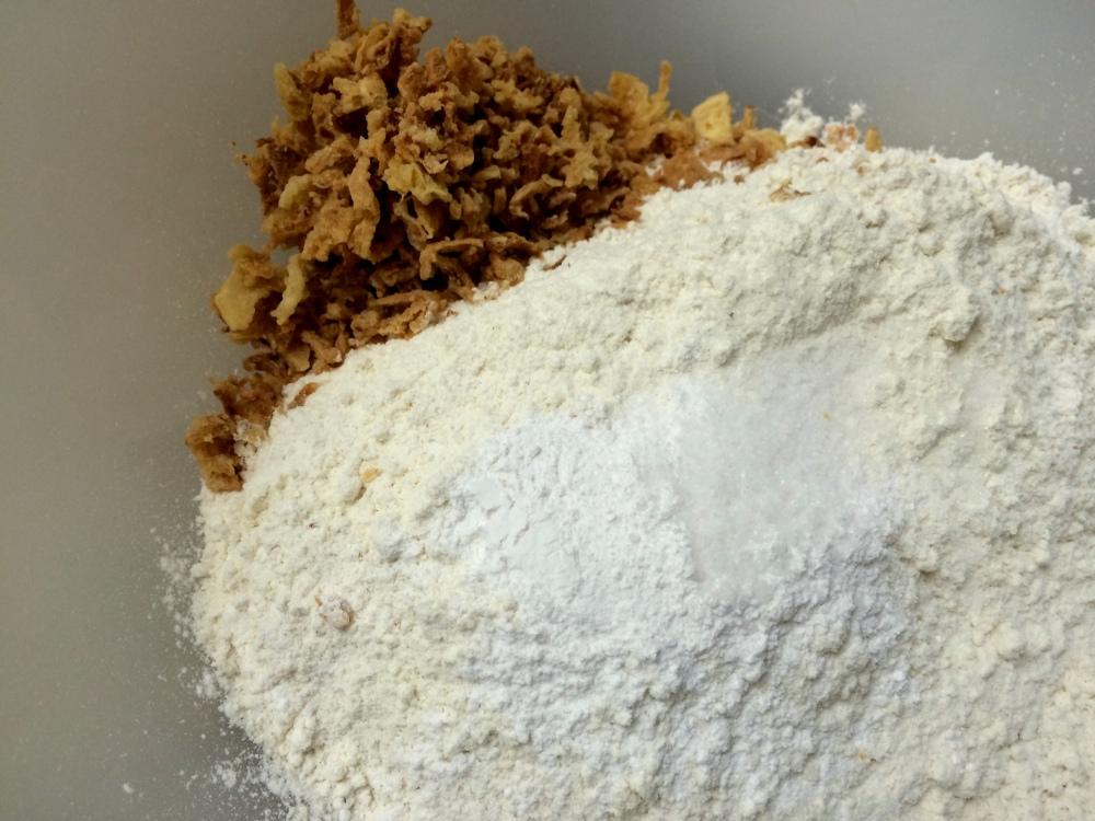 Muffins de cherrys y mozzarella (1).JPG