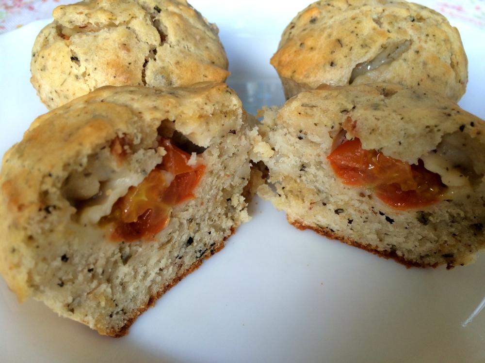 Muffins de cherrys y mozzarella (12).JPG