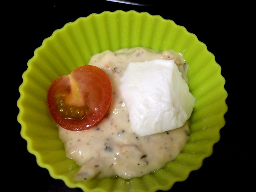 Muffins de cherrys y mozzarella (4).JPG