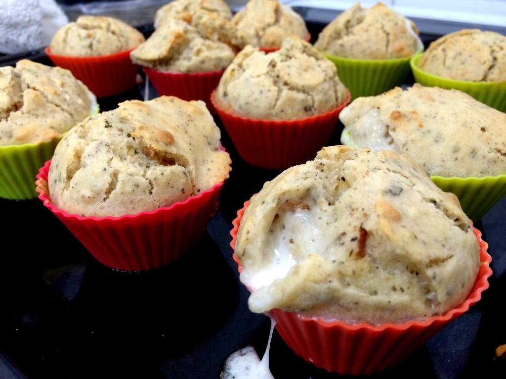 Muffins de cherrys y mozzarella (8).JPG