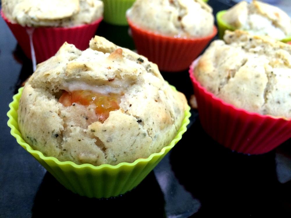 Muffins de cherrys y mozzarella (9).JPG