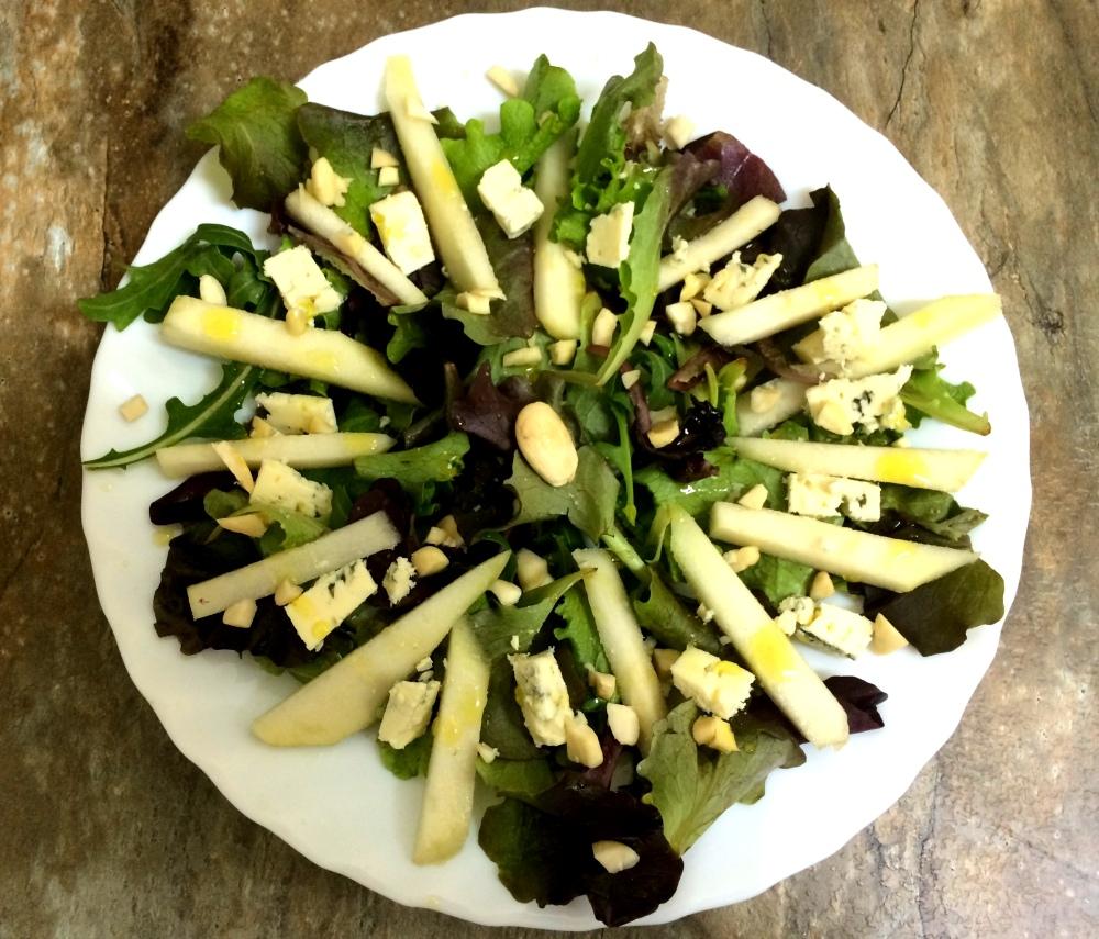 ensalada de pera almendra y queso azul (4).JPG