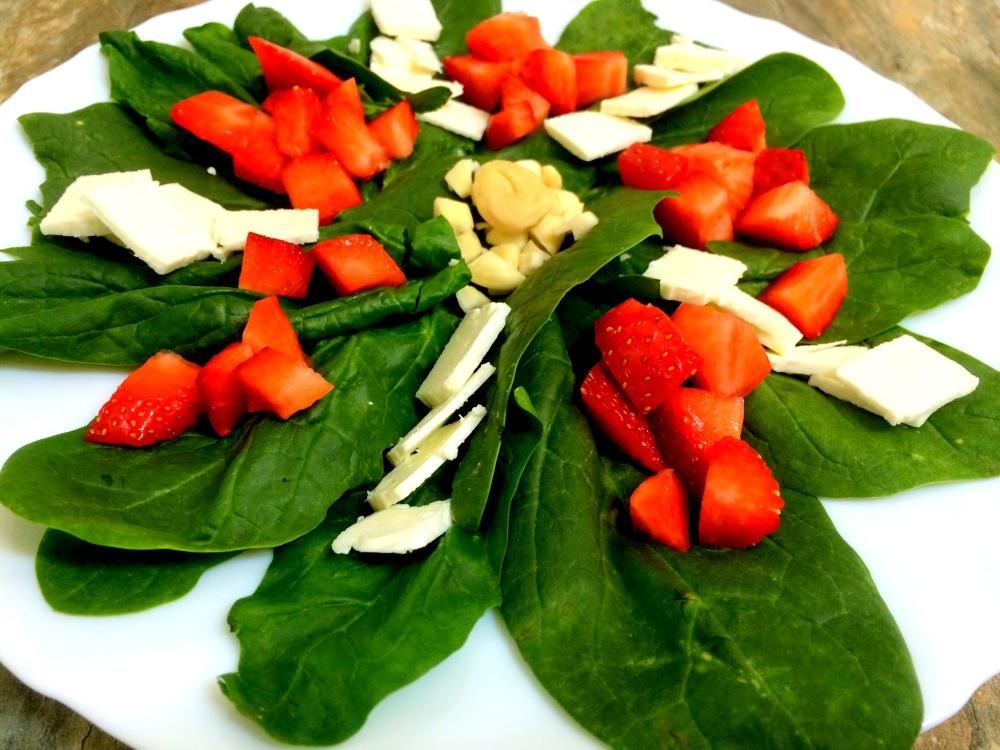 ensalada de espinacas y fresas (1).JPG